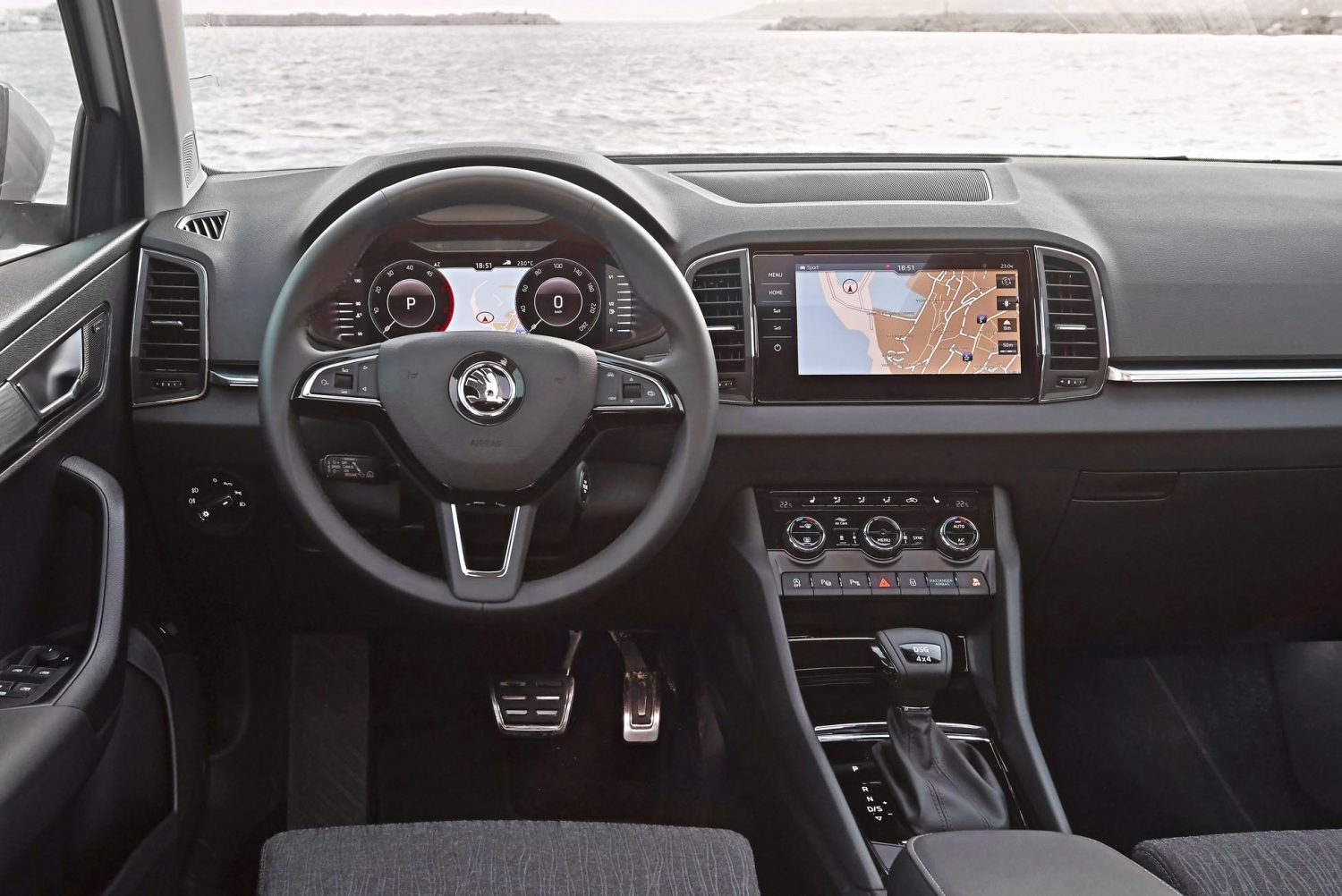 skoda karoq style 1 5 tsi 150 hk dsg7 sixt leasing. Black Bedroom Furniture Sets. Home Design Ideas